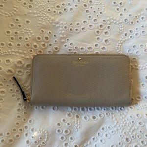 NWOT Kate Spade Spencer Wallet